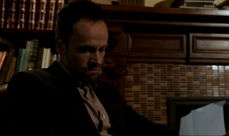 Elementary S2 E3 Sherlock Is Engrossed In Moriarty S Letter To Him