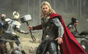 Thor-The-Dark-World--Thor holding hammer in mid-battle