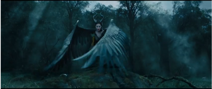 Maleficent 2014 - Maleficent with wings