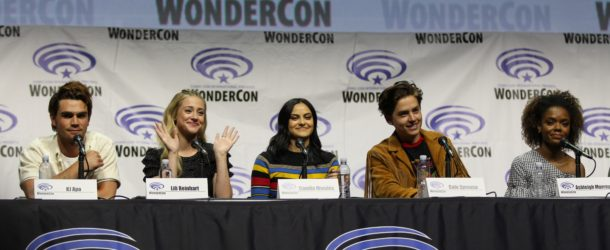 Interview bughead pussycats more riverdale scoop from wondercon m4hsunfo