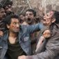 Fear the Walking Dead returned with an action-packed season premiere featuring a horde of walkers and a sudden, tragic death.