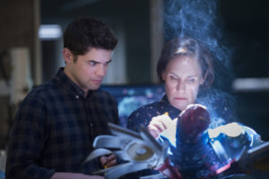 REVIEW: Supergirl, S3E14 - Schott Through the Heart - With