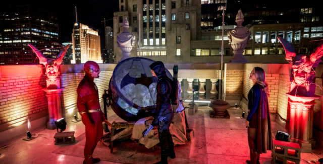 "Batwoman finally makes her small screen debut in ""Elseworlds, Part 2"" as The Flash, Green Arrow, and Supergirl fight their way through Gotham City."