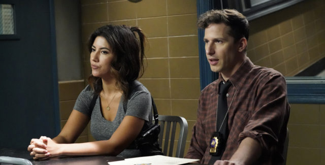 Jake and Rosa attempt to solve an incredibly difficult and dope case.