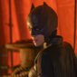 Batwoman delivers a stilted premiere with a bit of an identity crisis, but a sweet supporting cast and intriguing villain suggest future improvement.